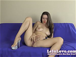 unexperienced striptease with lots of soles and toes closeups