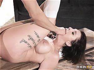 Xander Corvus pleads for ass-fuck