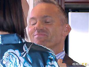 cheating wife Peta Jensen honeypot thrashed by Bill Bailey