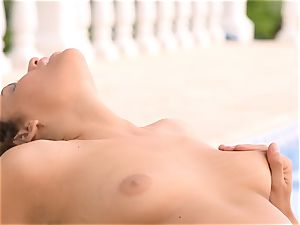 Mia Malkova gets her honeypot shafted by the pool