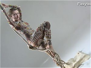 Anka the naturist displaying her talent