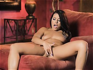 Adriana Chechik steaming solo getting off session