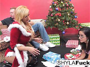 Shyla's Xmas internal ejaculation