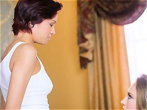 Kagney Linn Karter luvs seducing her fresh secretary