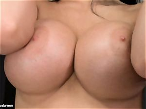 Aletta Ocean 3some as she gargles off a couple of shafts