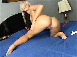 Jessa Rhodes peels off to fucktoy her moist slit