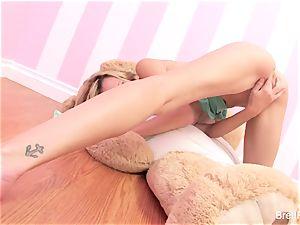 Brett Rossi plays with a slammed bear's strap-on dildo
