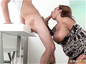 nasty mommy Richelle Ryan screws her sons-in-law friend in the kitchen