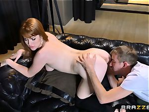 ginger-haired Gwen Stark plows her brothers meaty man sausage