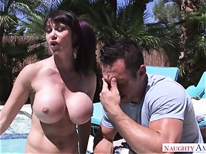 humungous stud Johnny Castle smashes his big-boobed neighbor in the backyard