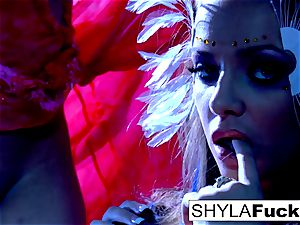 huge-boobed Nika serves Shyla's directions
