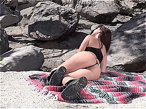 sensational Jenna Sativa is displaying her extraordinaire tight figure