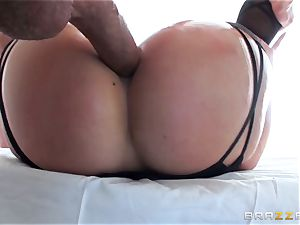 elastic assed AJ Applegate getting a rampant donk drill
