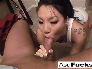 Asa gives an extraordinaire deep throat oral job