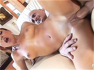 Latina spinner gets the facial cumshot of her life