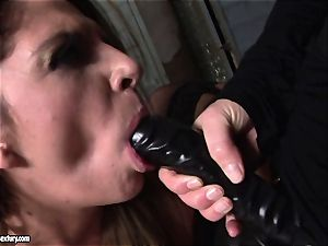 Kathia Nobili lets a super-steamy nymph deep-throat her wire on