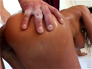 LiveGonzo Lisa Ann Mature mother ejaculation