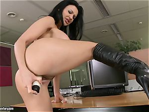 Aletta Ocean thumps her amazing fingers deep in her sugary-sweet clean-shaven twat