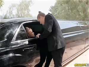 Jessa Rhodes romped in the limo