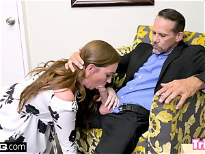 Maddy ravages the therapist while her spouse waits